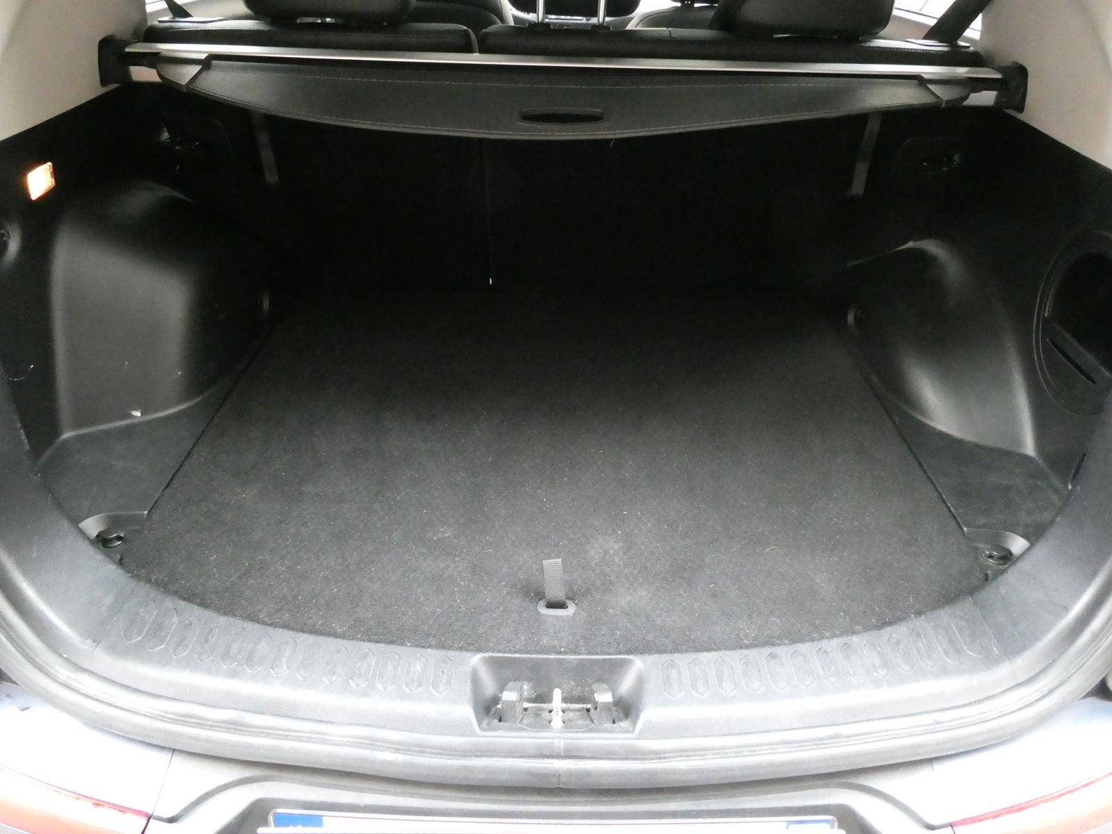Kia Sportage 2.0 AWD Automatic 163 ch 16