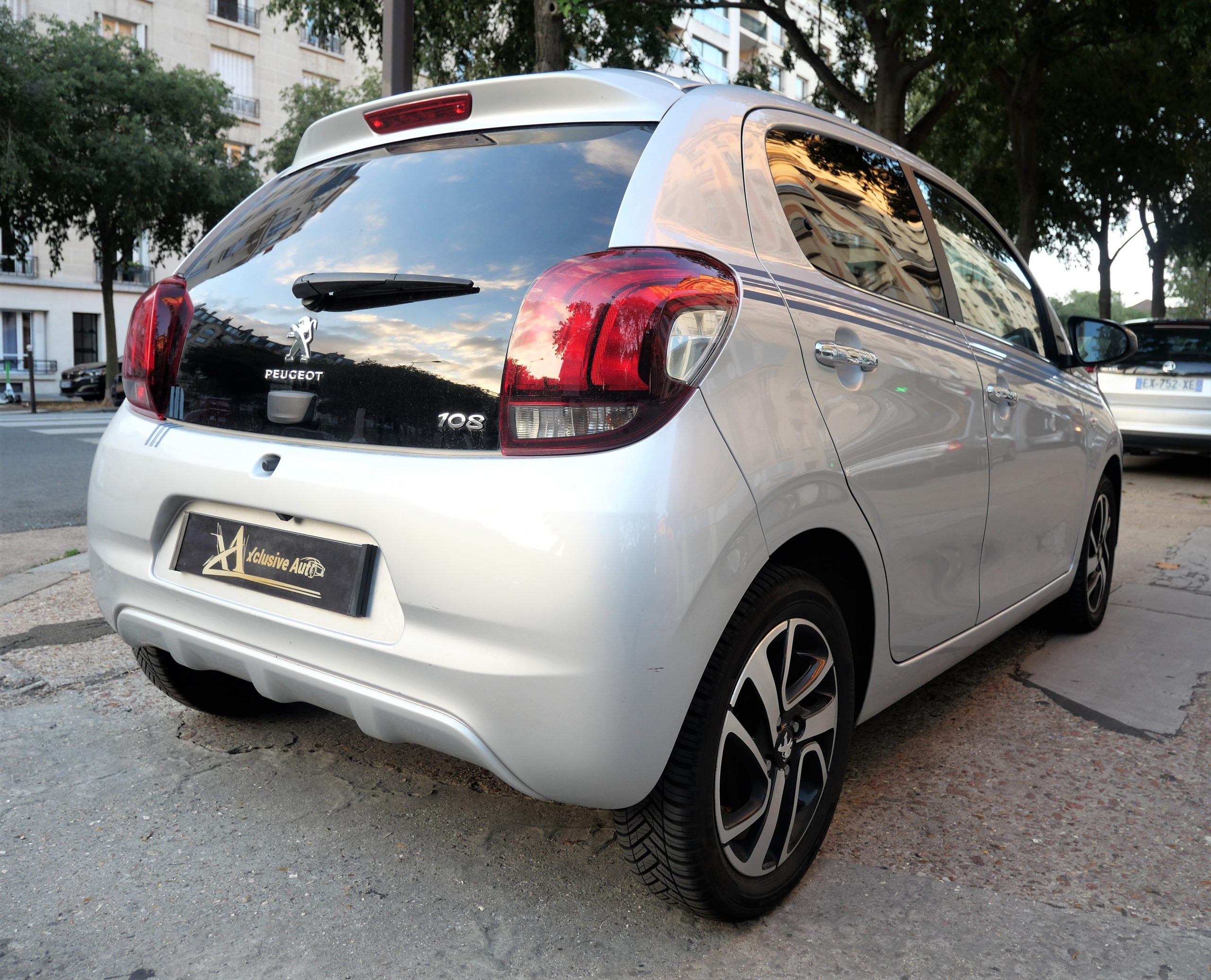 PEUGEOT 108 Collection 1.2 VTi 82 ch 4