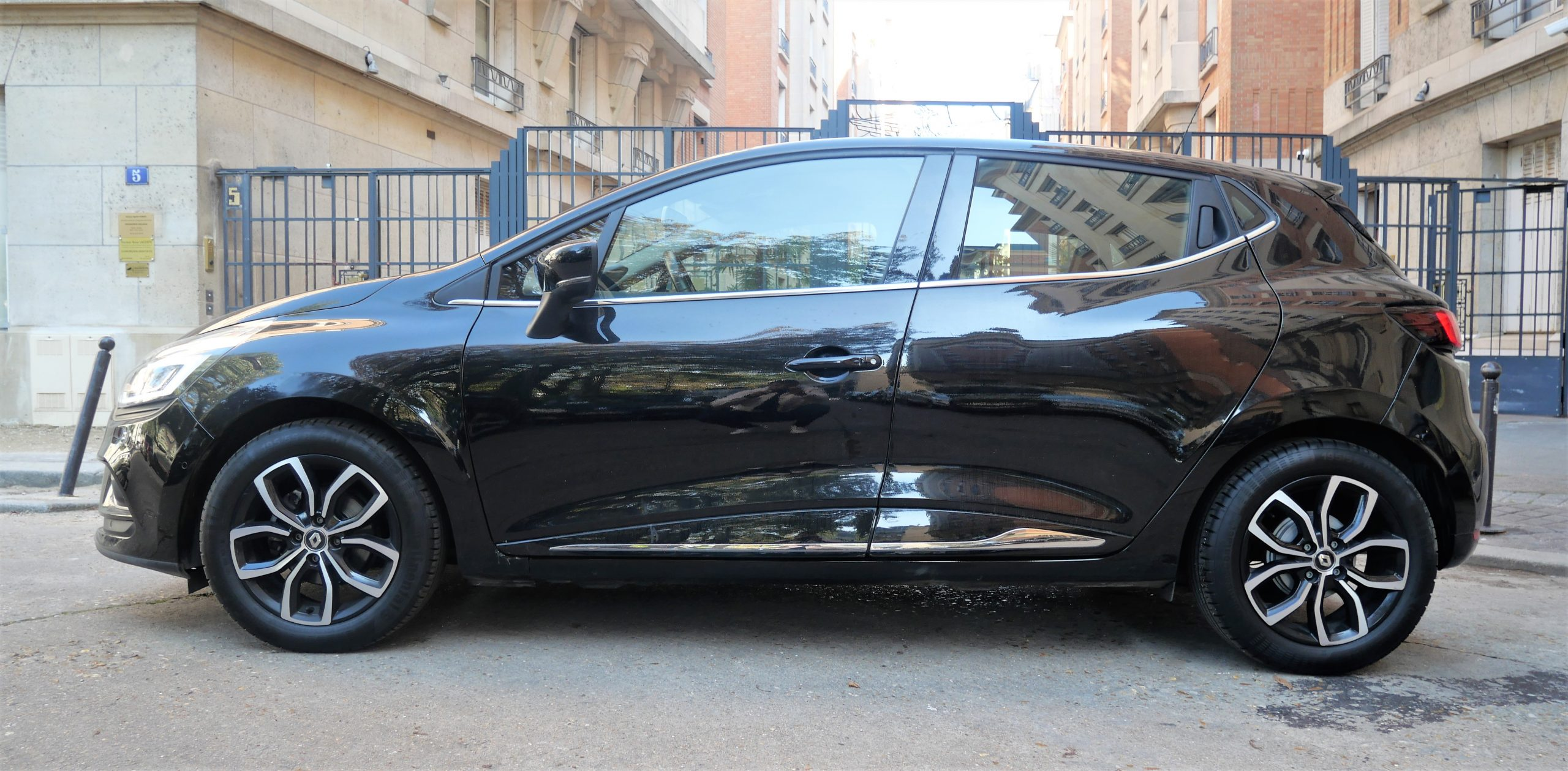 RENAULT Clio IV INTENS Phase 2 0.9 TCe 90 ch 1