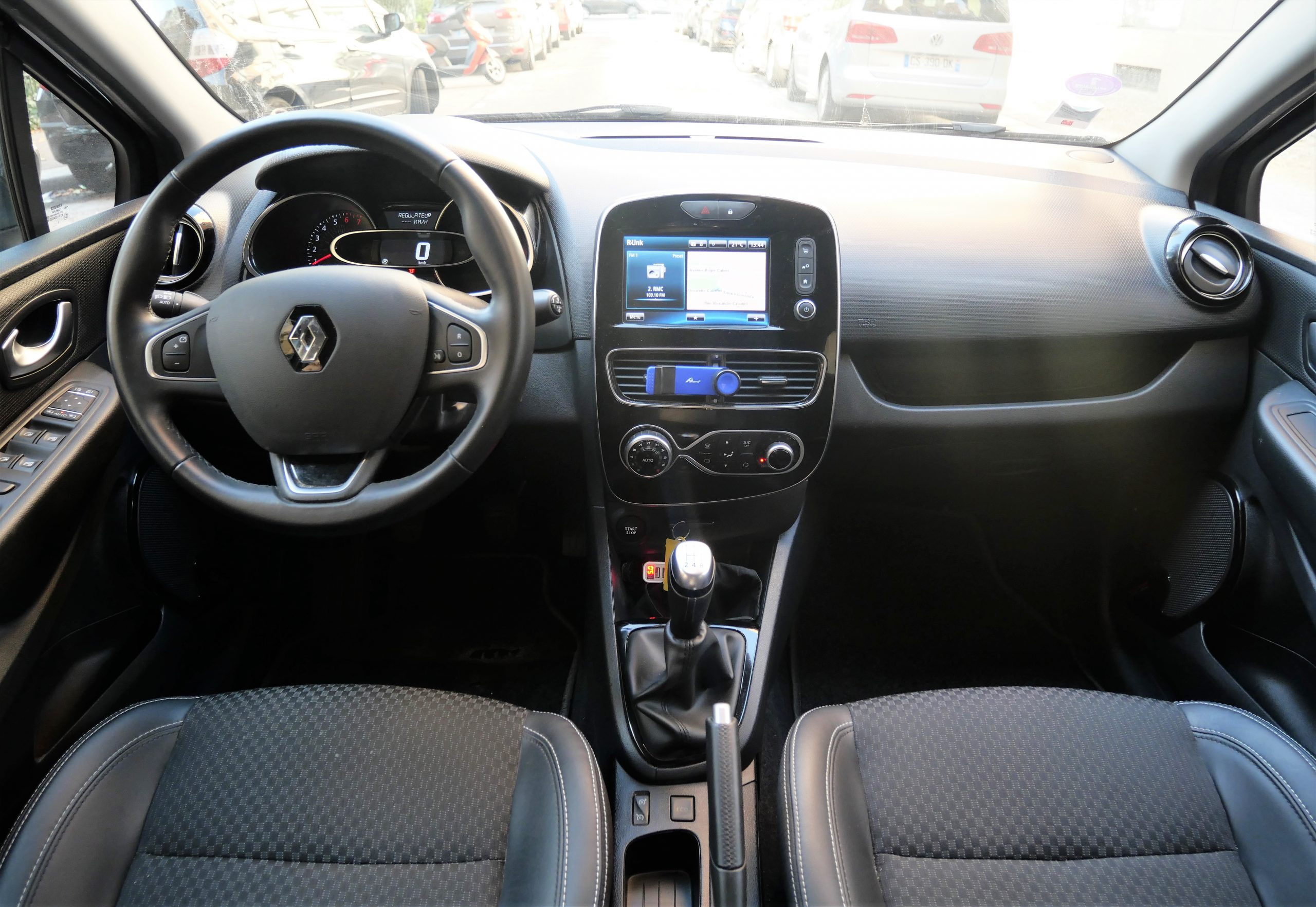 RENAULT Clio IV INTENS Phase 2 0.9 TCe 90 ch 12