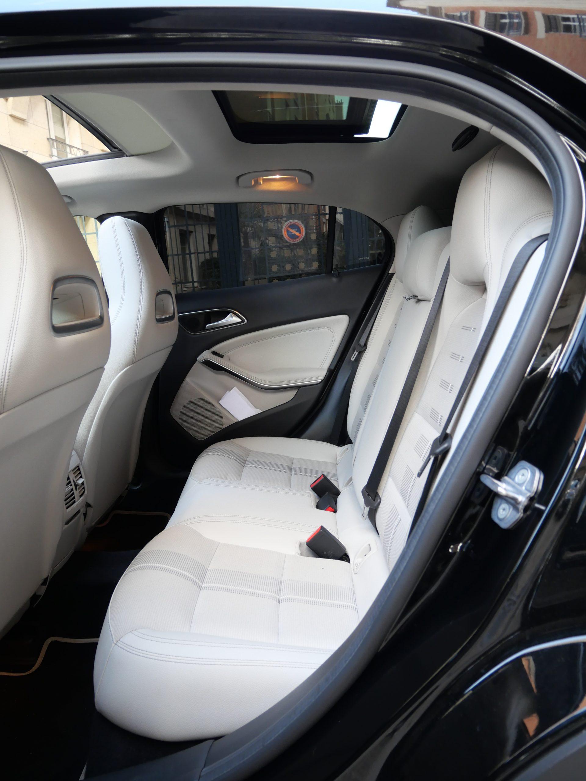 Mercedes-Benz Classe GLA 180 Sensation7G-DCT 122ch 11