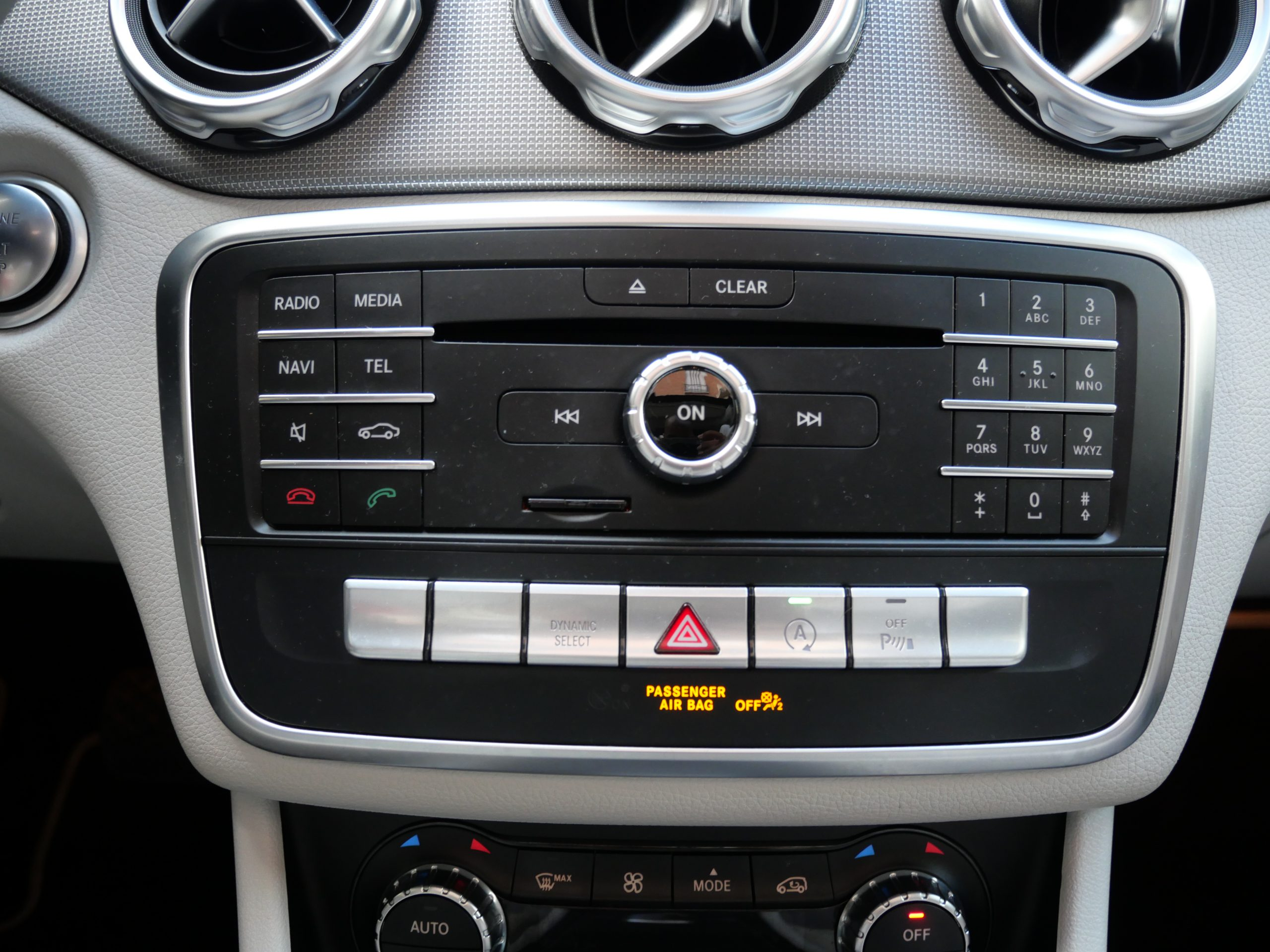 Mercedes-Benz Classe GLA 180 Sensation7G-DCT 122ch 17