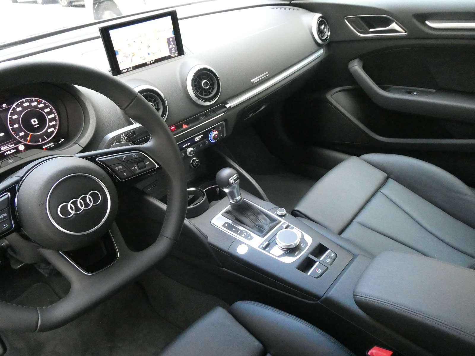 Audi A3 (2) cabriolet 35 TFSI 150 Design luxe S tronic 7 20