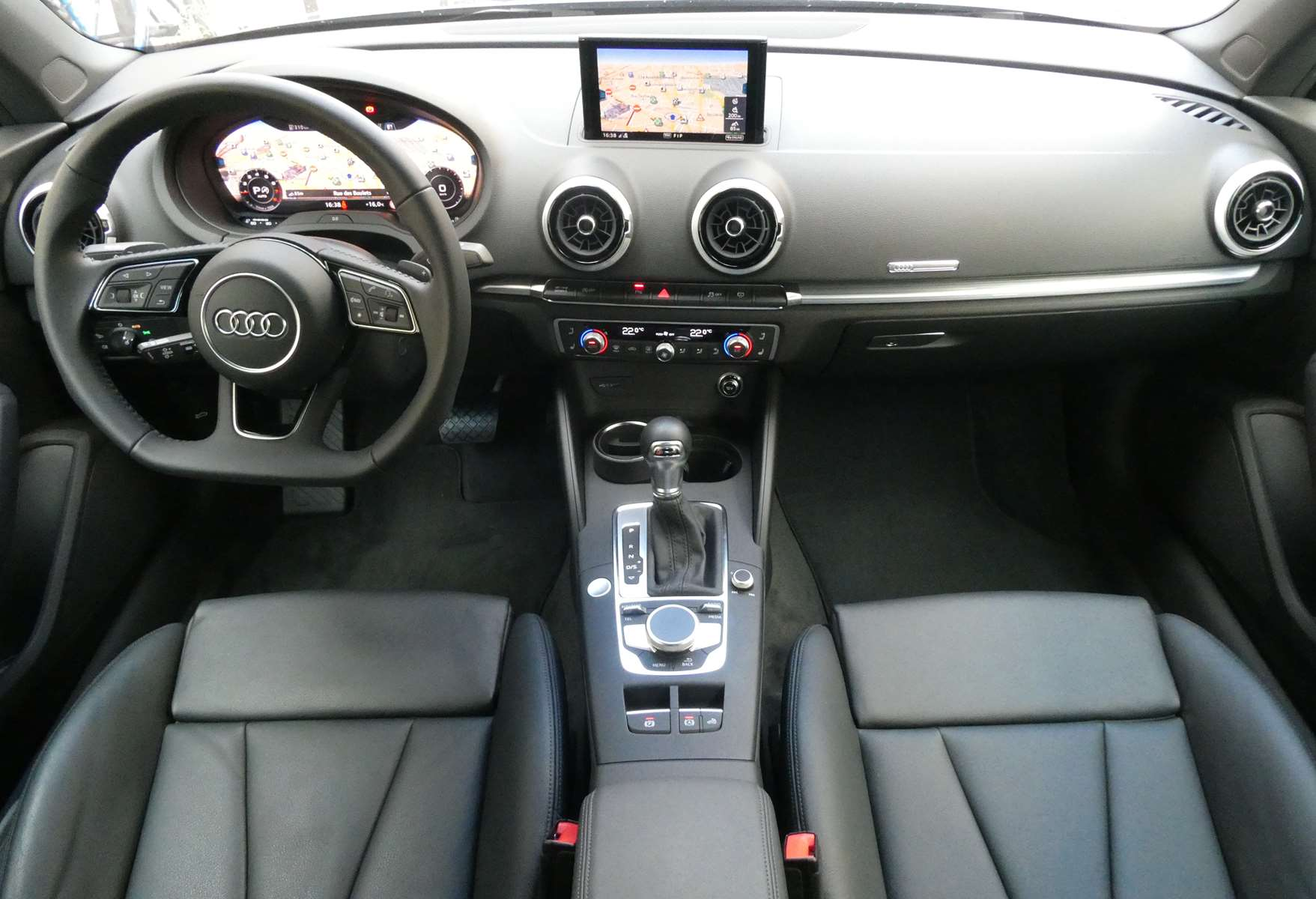 Audi A3 (2) cabriolet 35 TFSI 150 Design luxe S tronic 7 18