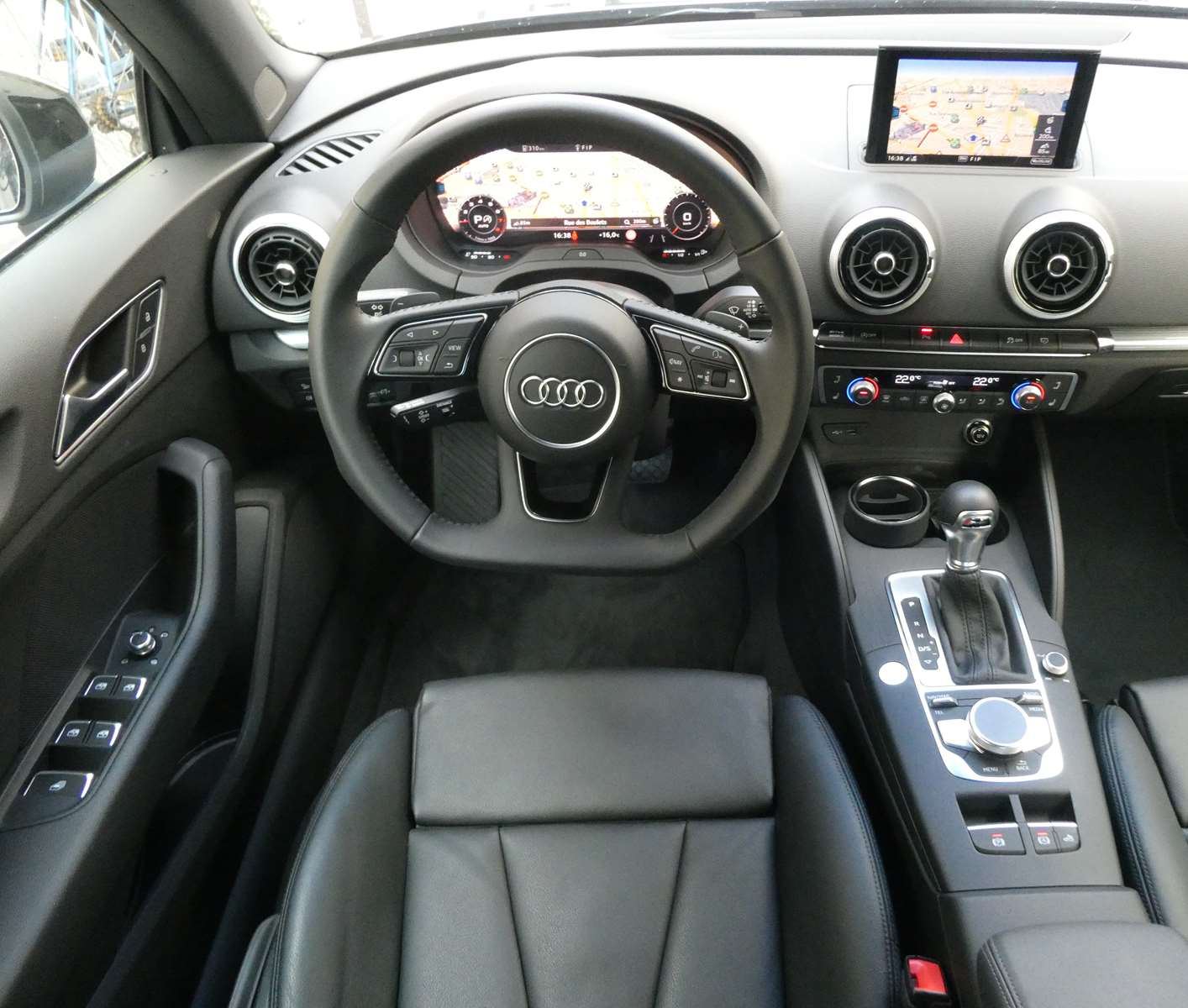 Audi A3 (2) cabriolet 35 TFSI 150 Design luxe S tronic 7 19